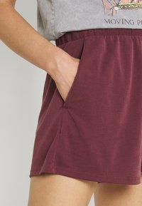 Monki - Shorts - red dark - 4