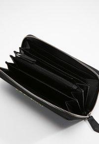 Valentino Bags - DIVINA - Wallet - nero - 4