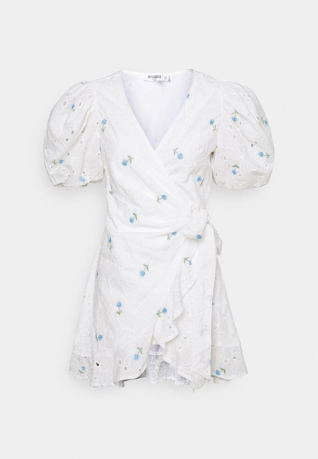 FLORAL BRODERIE PUFF SLEEVE MINI DRESS - Kjole - white
