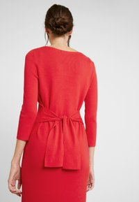 comma - DRESS SHORT - Strikket kjole - red - 6
