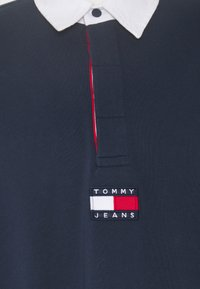 Tommy Jeans - BADGE RUGBY - Neule - twilight navy - 2