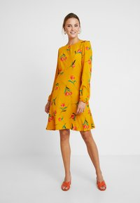 mint&berry - Day dress - yellow - 2