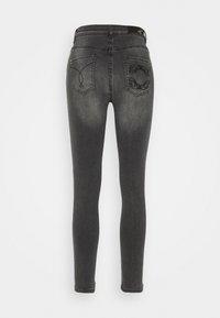 Patrizia Pepe - PANTALONI TROUSERS - Jeans Skinny Fit - washed mid gray - 1