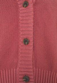 GAP Petite - TEXTURED ABBREVIATED CARDIGAN - Cardigan - roan rouge - 5
