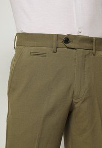 Lindbergh - CLUB PANTS - Pantaloni - light army - 3