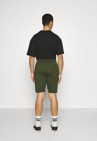 Newport Bay Sailing Club - SMART 2 PACK - Shorts - black/khaki - 3