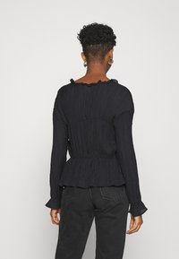 Nly by Nelly - ROMANTIC CHI BLOUSE - Bluser - black - 2