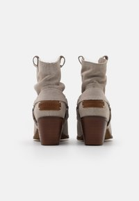 Musse & Cloud - CAMILA - Cowboy/biker ankle boot - ice - 3