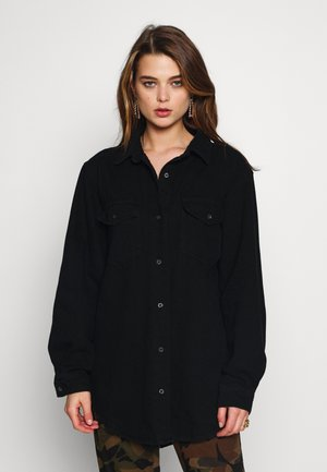 BOYFRIEND FIT - Button-down blouse - black