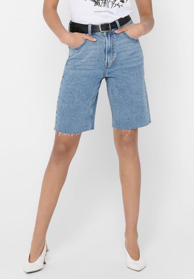 ONLY - JEANSSHORTS ONLEMILY HW LONG - Jeansshorts - light blue denim