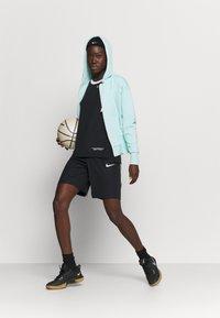 Nike Performance - STANDARD ISSUE HOODIE - Zip-up hoodie - light dew/pale ivory - 1