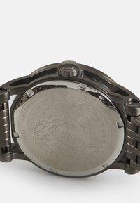 Versace Watches - CODE - Zegarek - gunmetal - 2