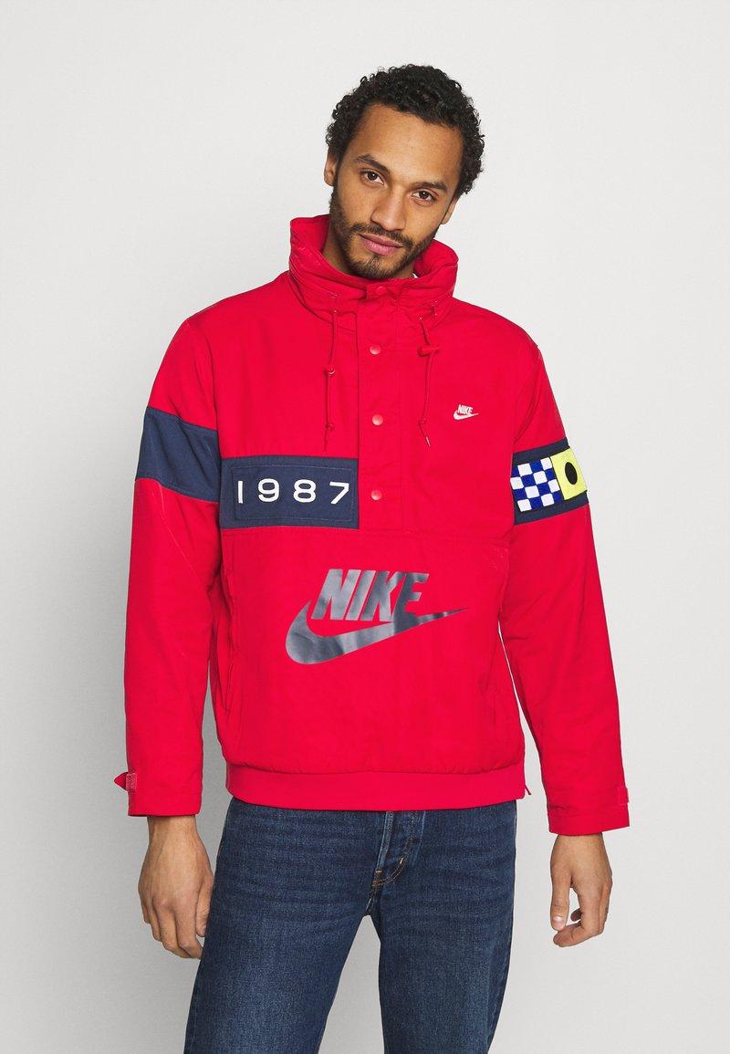 Nike Sportswear - REISSUE WALLIWAW  - Vindjacka - university red