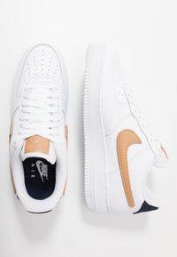 Nike Sportswear - AIR FORCE 1 '07 LV8  - Zapatillas - white/obsidian - 2