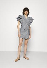 Custommade - KOBANE - Waistcoat - black/white - 1