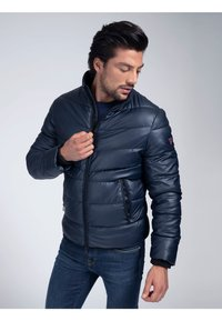 Guess - Winter jacket - mehrfarbig, grundton blau - 0