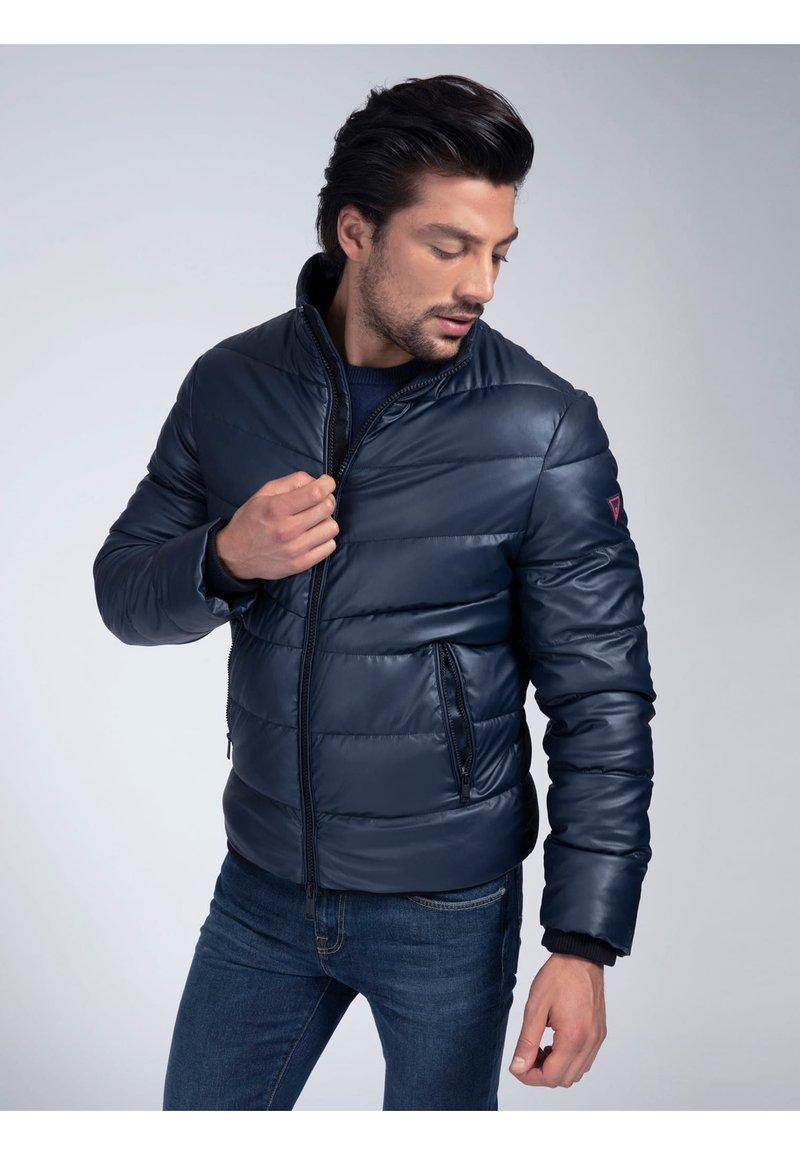 Guess - Winter jacket - mehrfarbig, grundton blau