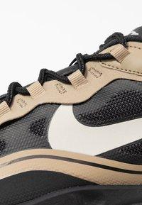 Nike Sportswear - AIR MAX 270 REACT RVL - Sneakers basse - black/light bone/khaki/metallic gold - 5
