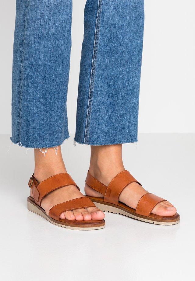SOFIA - Sandaler - tan