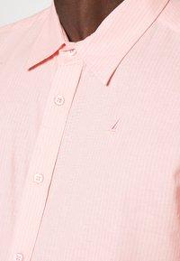 Newport Bay Sailing Club - CORE STRIPE SHIRT - Košile - pale pink - 4