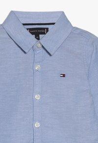 Tommy Hilfiger - BABY BOY OXFORD - Skjorta - light blue - 3