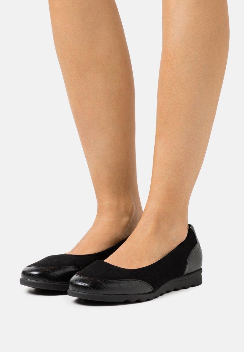 Evans - WIDE FIT COMFORT FLAT SHOE - Ballerines - black