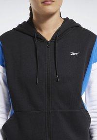 Reebok - TRAINING ESSENTIALS LOGO HOODIE - Zip-up hoodie - black - 3