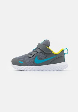 REVOLUTION 5 UNISEX - Neutral running shoes - smoke grey/chlorine blue/high voltage/white