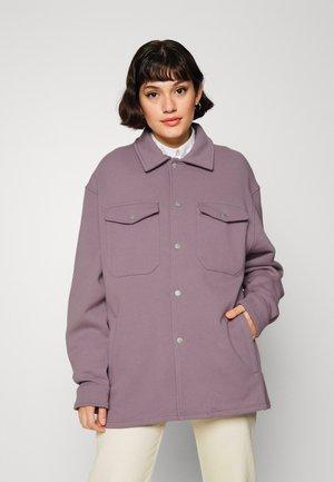 GATY OVERSHIRT WOMEN - Košile - stone lilac