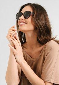 Le Specs - SWIZZLE LE THOUGH - Sunglasses - smoke grad - 1