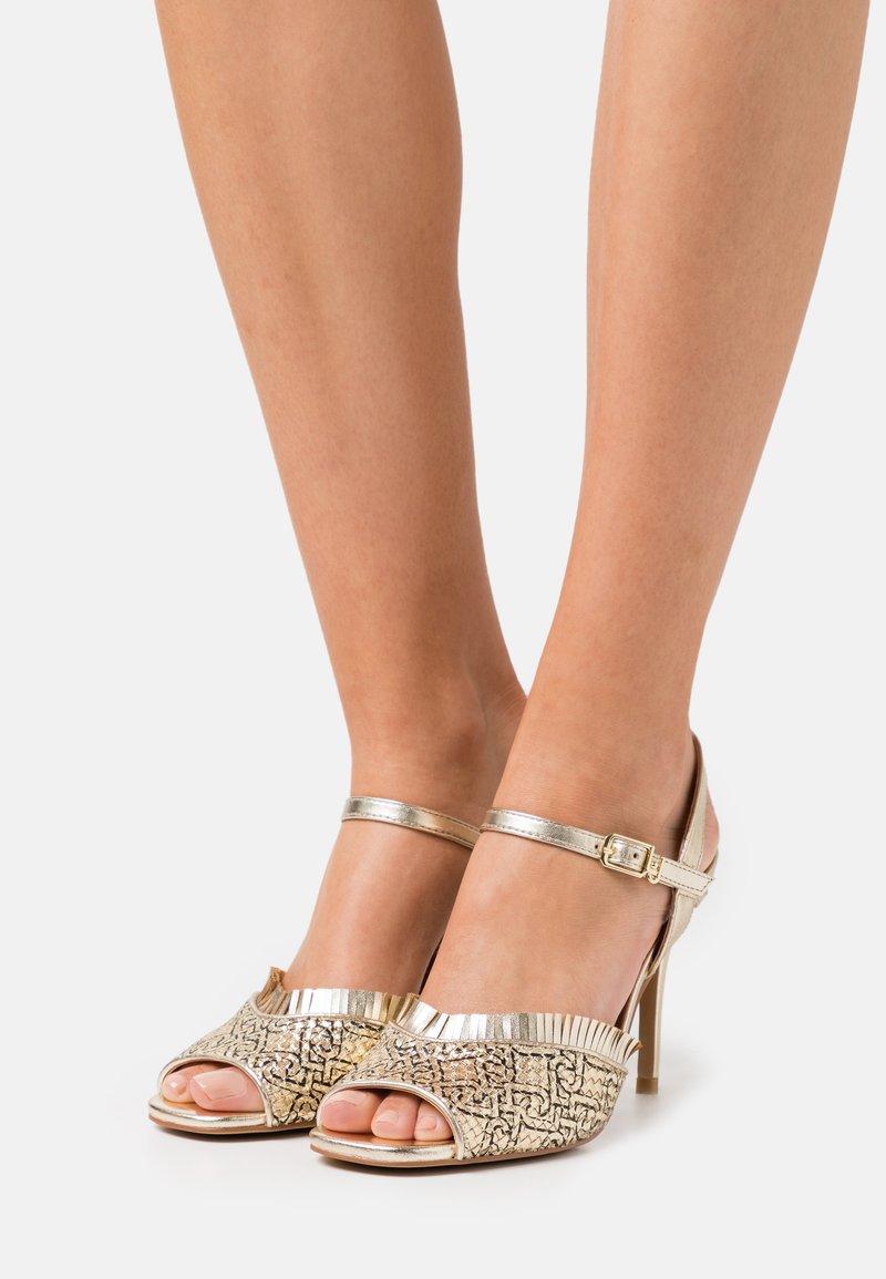 Liu Jo Jeans - APRIL  - Sandales - light gold