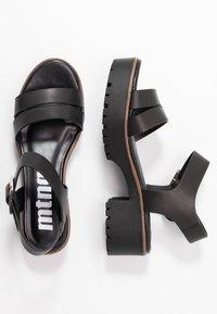 mtng - PLEXY - Sandály na platformě - black - 3
