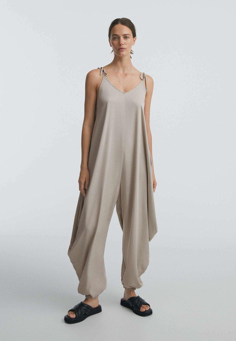 OYSHO - Jumpsuit - beige