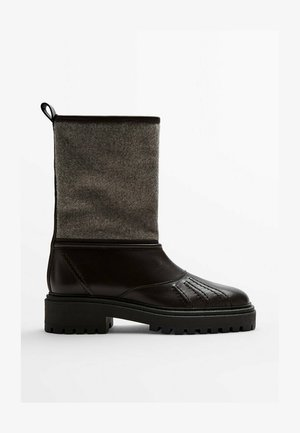 Ankle boots - brown black
