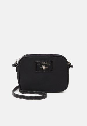SILVERHILL CROSSBODY - Across body bag - black