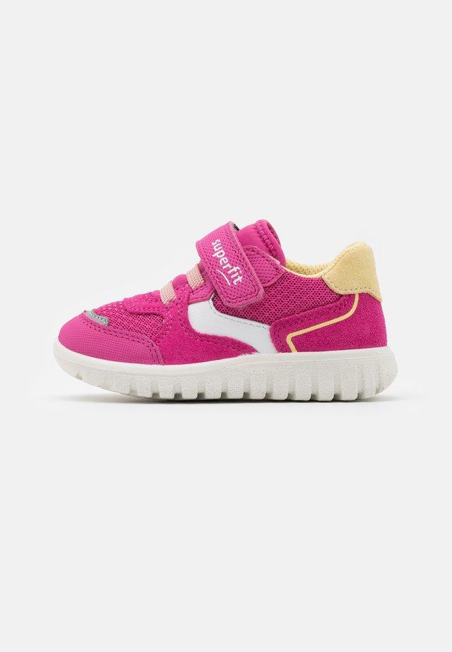 SPORT7 MINI - Trainers - rosa/gelb