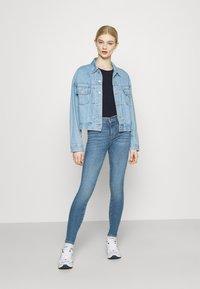 Pepe Jeans - BELLROSE - Basic T-shirt - thames - 1