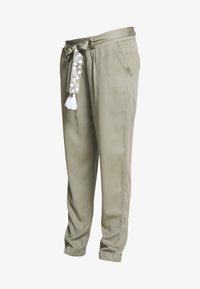 Mara Mea - NIGHT TRAIN - Spodnie materiałowe - khaki - 4
