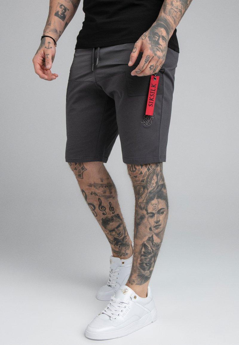SIKSILK - PANEL FLIGHT - Shorts - grey