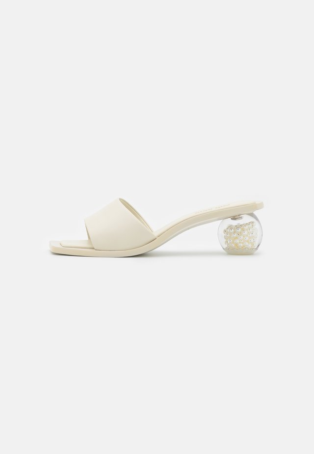 TAO OMBRE - Mules à talons - offwhite