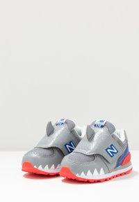 New Balance - IV574AQS - Sneakers basse - grey - 3
