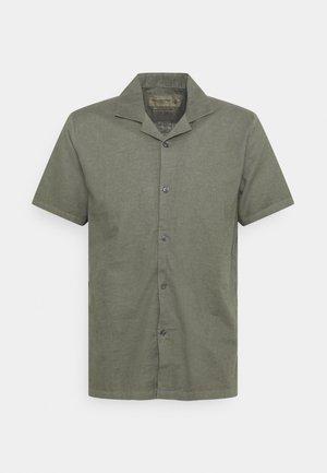 RESORT - Vapaa-ajan kauluspaita - greenish grey