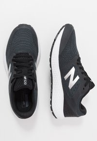 New Balance - 520 V6 - Zapatillas de running neutras - black - 1