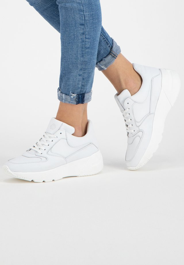 R ERITH - Sneakers laag - white
