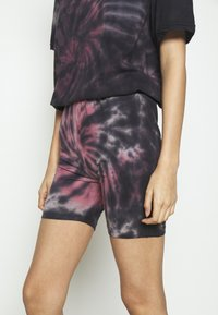 Missguided - COORD AND CYCLE TIE DYE SET - Shorts - pink - 6