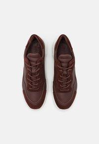ECCO - CHUNKY  - Sneakersy niskie - brown - 5