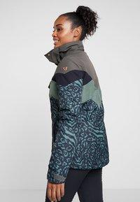 Brunotti - JUNGLEFOWL WOMEN SNOWJACKET - Snowboard jacket - pine grey - 3