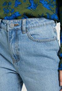 Lost Ink - VINTAGE MOM - Jeans Relaxed Fit - light denim - 3