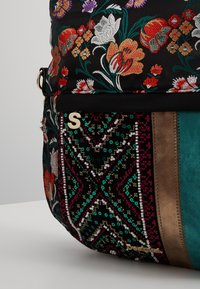 Desigual - BOLS BETWEEN FOLDED - Shoppingveske - quenny - 6
