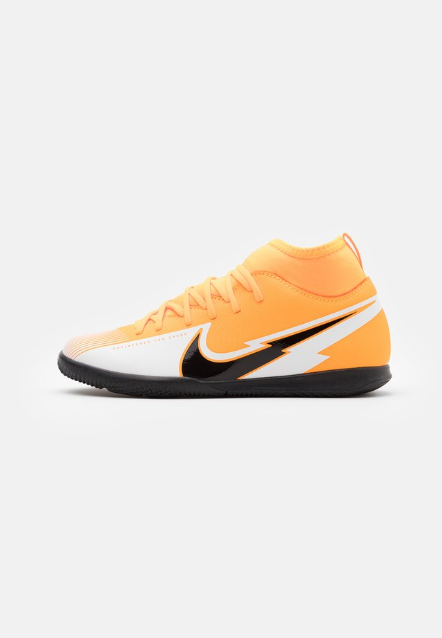 MERCURIAL 7 CLUB IC - Chaussures de foot en salle - laser orange/black/white
